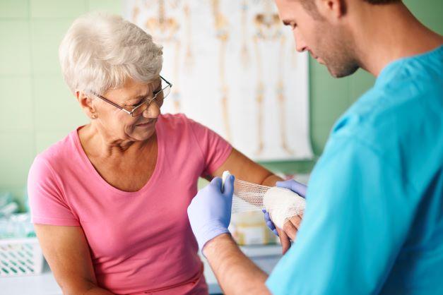 Jak dbać o opatrunek i ranę pooperacyjną?